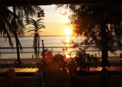 maphrao-resort-kamala-beach-phuket-sunset-from-restaurant